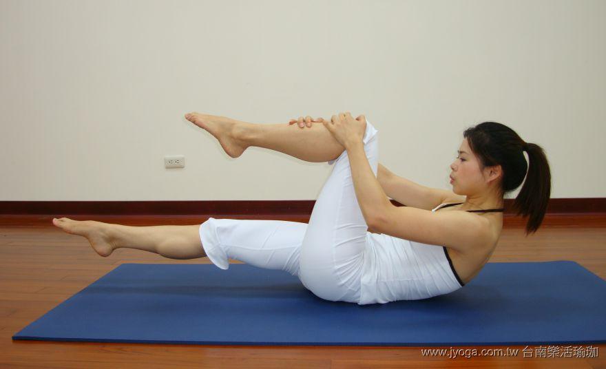 瑜珈教學34-腹腿雕塑-單腿內收