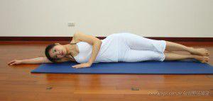 拍腿(瑜珈提斯動作圖解-瑜珈教學17-腿部曲線)