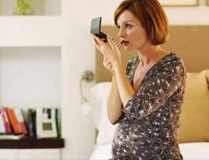 孕婦最好少用化妝品