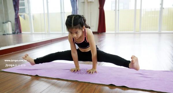 台南JYOGA樂活瑜珈-瑜珈教學-劈腿平衡式