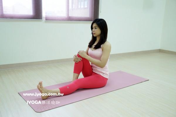 台南JYOGA樂活瑜珈-瑜珈教學-坐姿扭轉式