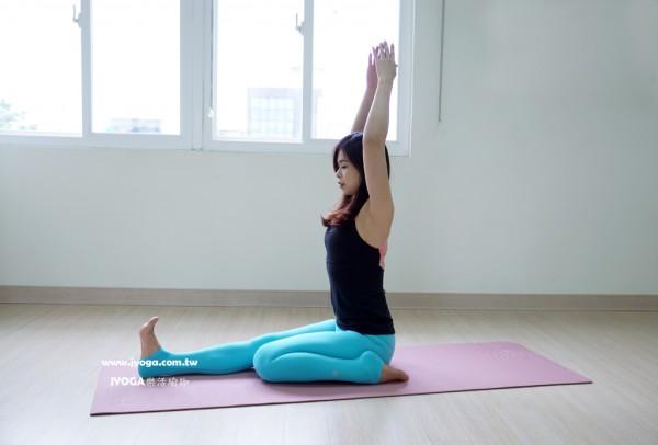 台南JYOGA樂活瑜珈-瑜珈教學-頭碰膝式前彎-Head to knee pose