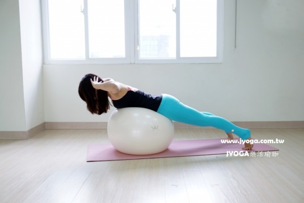 台南JYOGA樂活瑜珈-彼拉提斯抗力球-背部雕塑-後背上抬