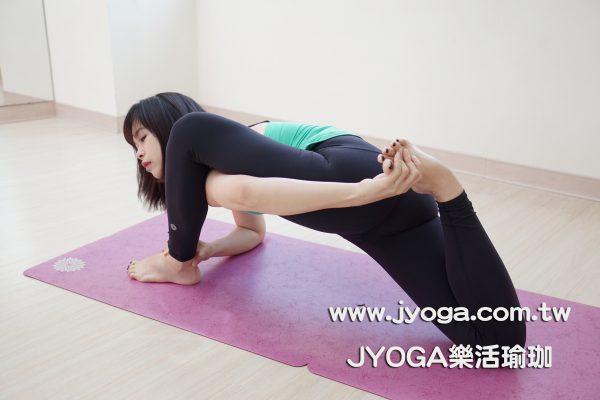 瑜珈教學-跪姿弓箭步變化
