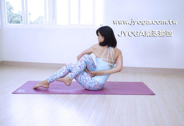 台南JYOGA樂活瑜珈-瑜珈教學-鷹腳扭轉