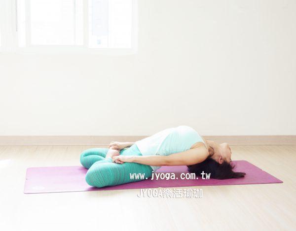 台南JYOGA樂活瑜珈-瑜珈教學-連花魚式